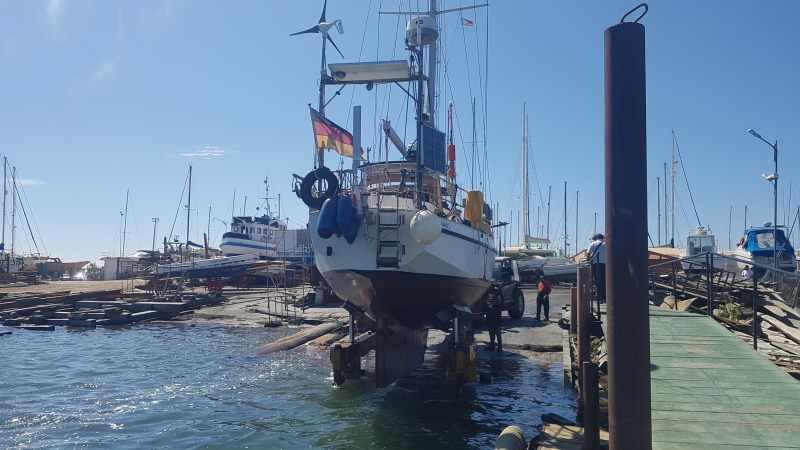 Raus aus dem Wasser: Werfttage und Abschied von LittleFoot