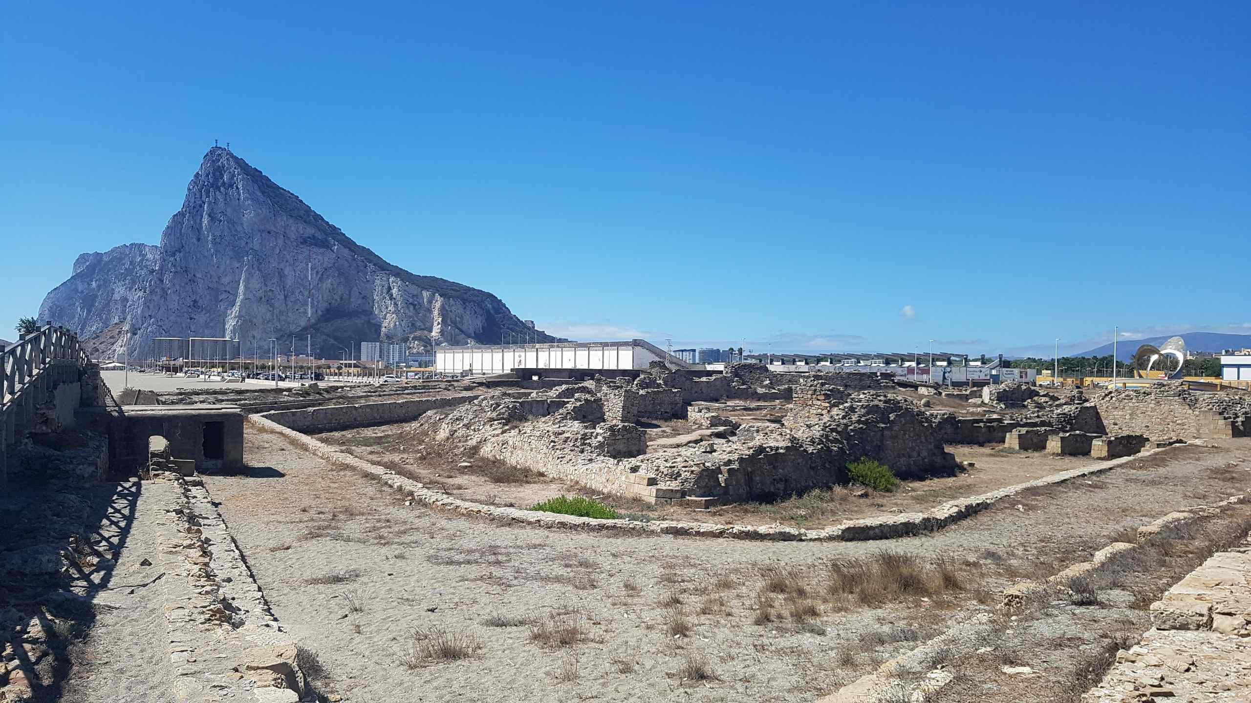 Gibraltar: Hitze, Neandertaler, Affen und Autopilot